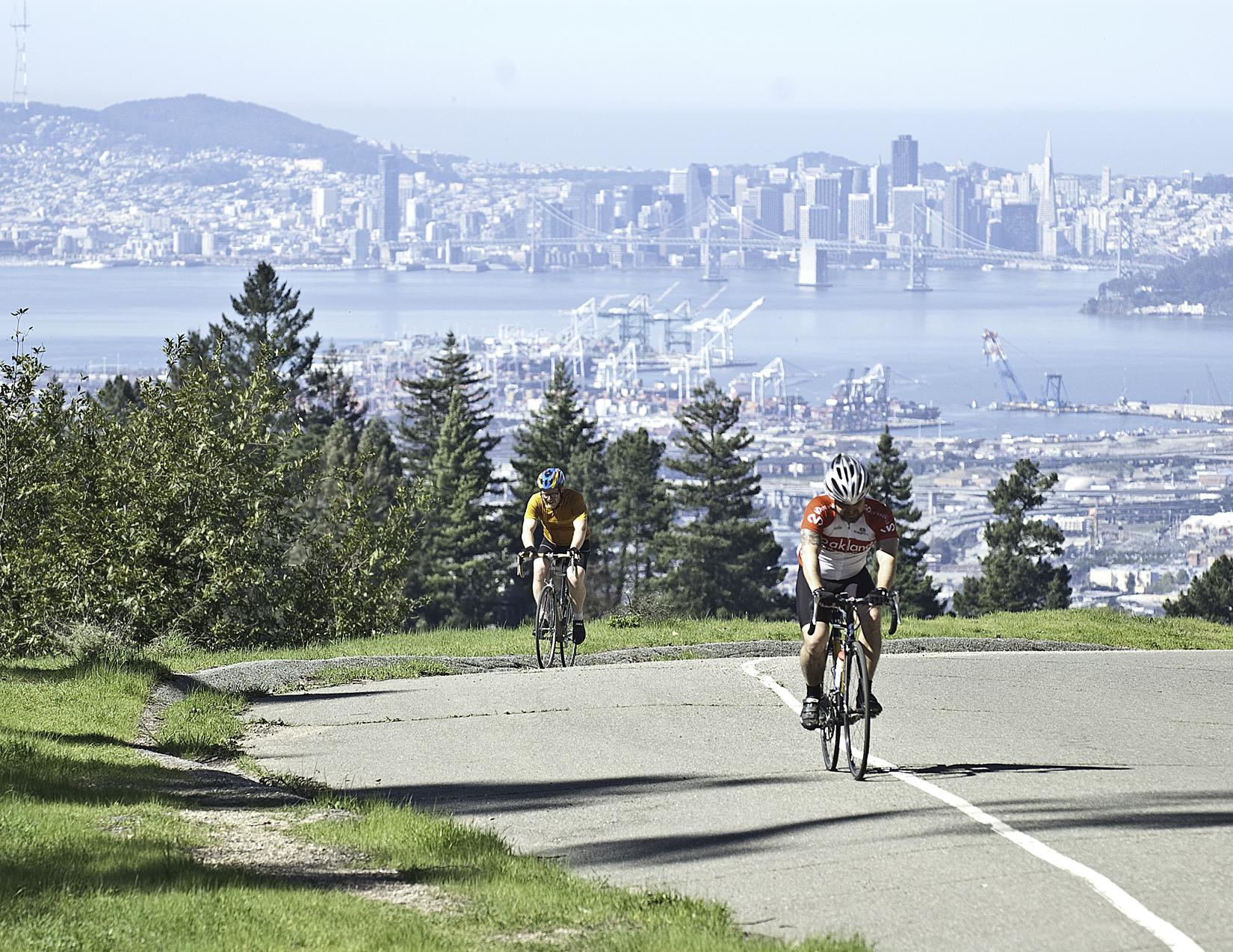Bicycling on Skyline Blvd
